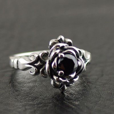 Japan import, Female Design lively black diamond rose flower ring, (can be tail ring)