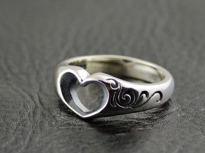 Japan import, 925 Sterling Silver simple hollow hearts Silver Gothic Ring