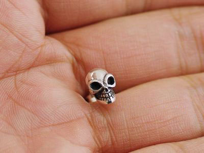 Japan import, gabor design lively skull 925 Sterling Silver earstud