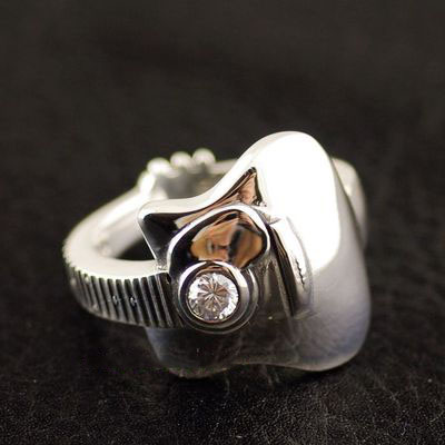 Japan import, 925 Sterling Silver set with diamonds guitar Silver Gothic Ring