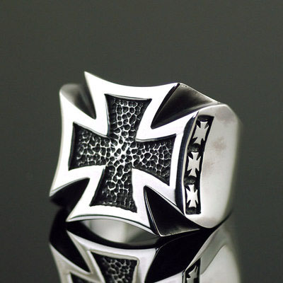 Japan import, Cross War badge Male Design 925 Sterling Silver Gothic Ring