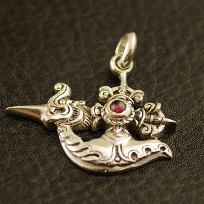 Japan import, 925 Sterling Silver set with garnet dragon head golden metallic Gothic Silver pendant