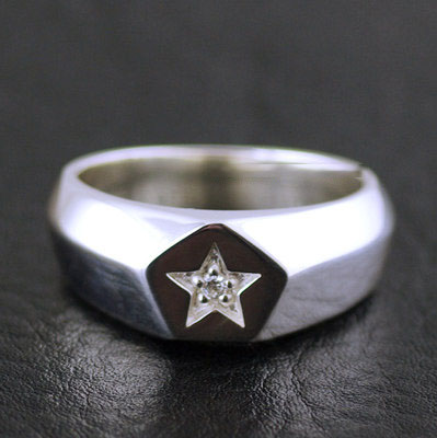 Japan import, 925 Sterling Silver set with diamonds solid star Ring