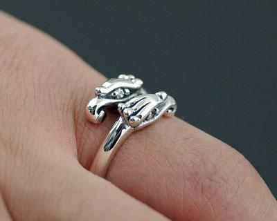 Japan import, designed with opening eagle head Gothic Silver tail ring