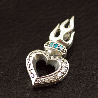 Japan import, 925 Sterling Silver Gothic Style set with diamonds flame Gothic Silver hearts pendant