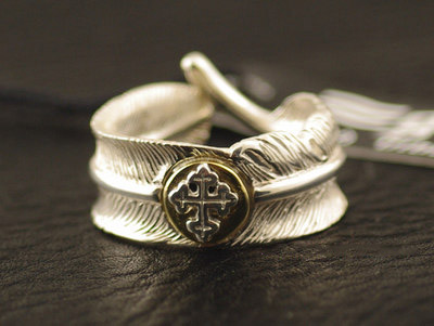 Japan import, Original good vibrations cross medal 925 Sterling Silver feather open Ring