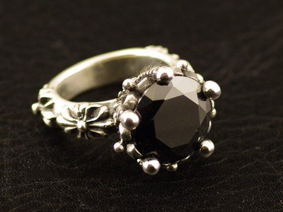 Japan import, 925 Sterling Silver five claws crown black diamond Silver Gothic Ring