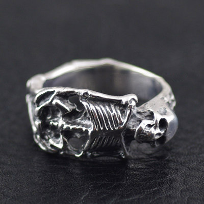 Japan import, CRAZY PIG skeleton corpse body Silver Gothic Ring
