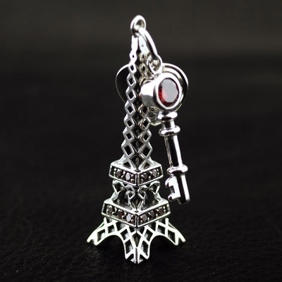 origin Japan import, JUSTIN DAVIS design lively Eiffel Tower Gothic Silver pendant