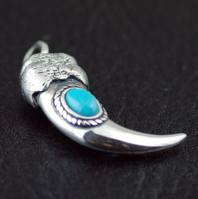 Japan import, Indiana style set Turquoise 925 Sterling Silver wolf claws pendant