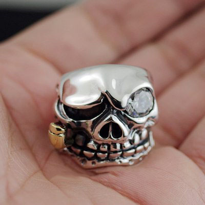 Japan import, smoke skull thick and heavy Silver Gothic Ring