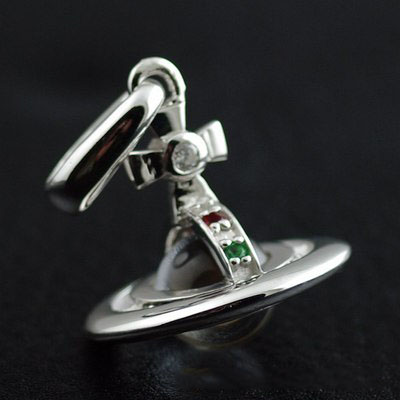 Japan import, 925 Sterling Silver Vivienne Westwood lively Saturn pendant