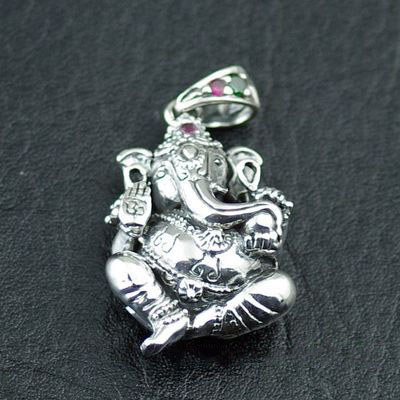 Japan import, small and light refined buddha elephant god Gothic Silver pendant