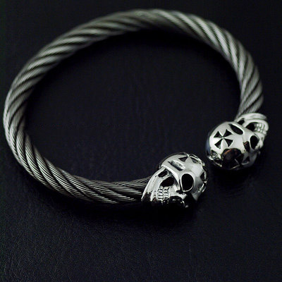 Japan import, gabor design 925 Sterling Silver skull wire thread bangle