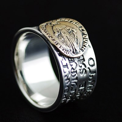 Japan import, 925 Sterling Silver golden holy ladyGothic Silver finger loop