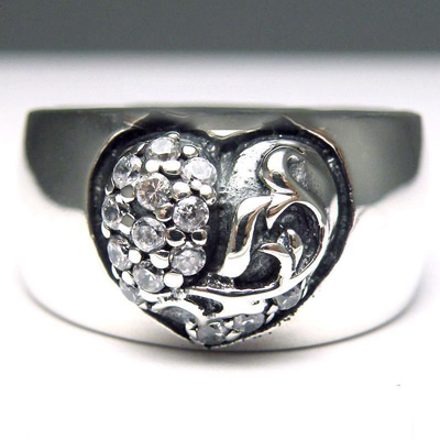 set with diamonds hearts import Silver Gothic Ring