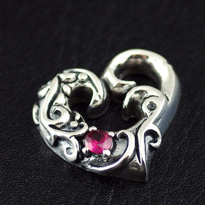 Japan import, Retro style 925 Sterling Silver hearts pendant