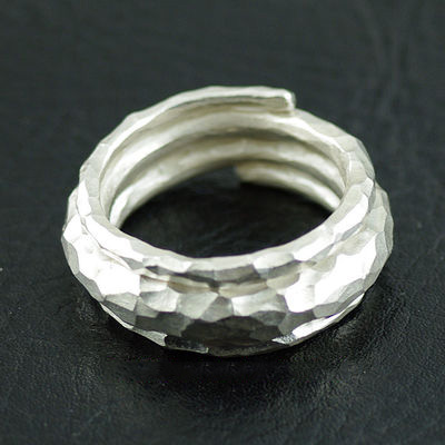 Japan import, Unisex Chiang Mai hand-crafted silver three loop finger loop, adjustable
