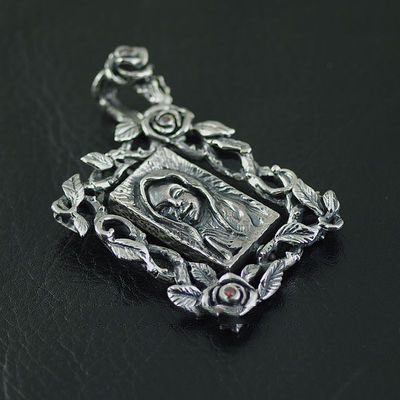 Japan import, Gothic Style 925 Sterling Silver Gothic Silver framed pendant