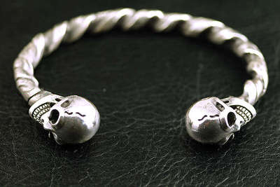 Japan import, 925 Sterling Silver gabor new thick and heavy open Gothic Silver skeleton bangle