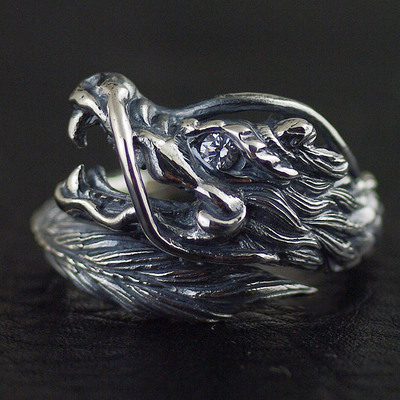 Japan import, 925 Sterling Silver wrapped ring flying dragon dragon head Silver Gothic Ring open Ring
