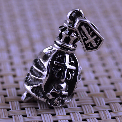 Japan import, 925 Sterling Silver Gothic Silver cross sealed skull bell pendant