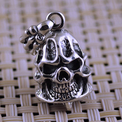 Japan import, male design 925 Sterling Silver Gothic Silver devil claws skull bell pendant
