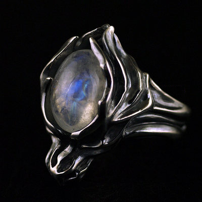 Japan import, moonstone ring surface Japanese version cloud wolf Silver Gothic Ring