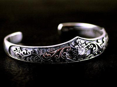 Japan import, 925 Sterling Silver fine flower vine design Gothic Silver bangle
