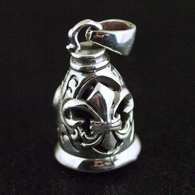 Japan import, Retro style flower anchor design 925 Sterling Silver bell pendant