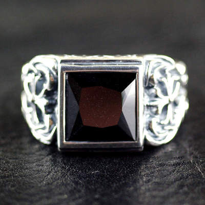 Japan import, suave male design black princess cut ring surface Silver Gothic Ring