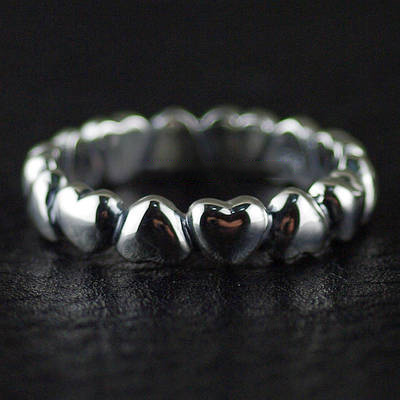 Japan import, Female Design Gothic Style 925 Sterling Silver hearts wrapped around Gothic Silver finger loop Ring tail ring