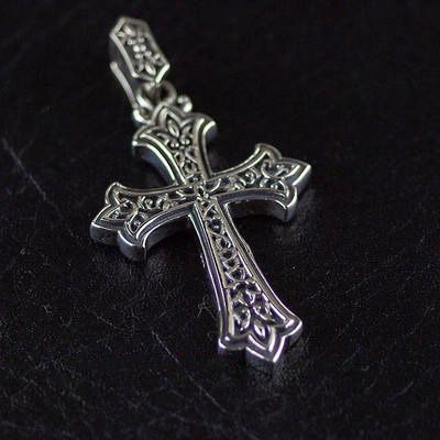 Japan import, carved fine pattern cross Gothic Silver pendant