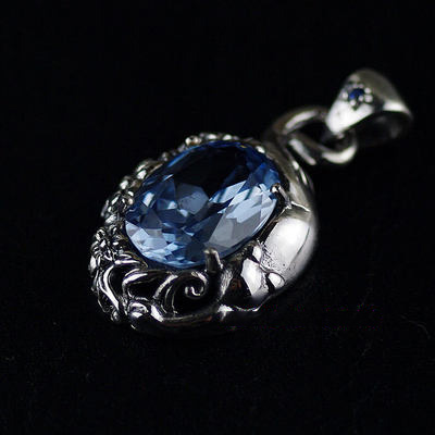 Japan import, Original GV new -flower ?and cat Gothic Silver pendant female pendant