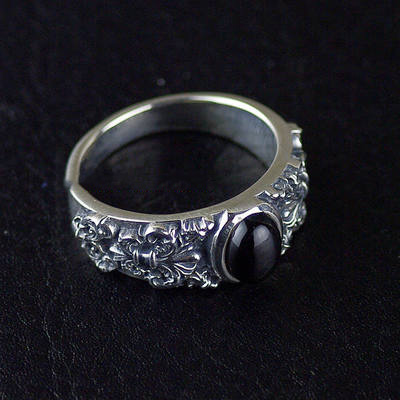 Japan import, Male design curves anchor Gothic Style Silver Gothic Ring