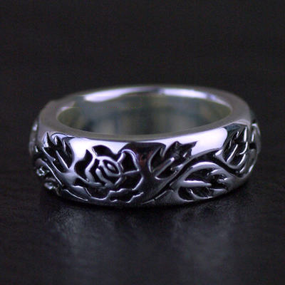 Japan import, 925 Sterling Silver thick and heavy Thorny Rose Silver Gothic Ring