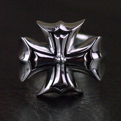 Japan import, designed with opening Cross War badge Silver Gothic Ring
