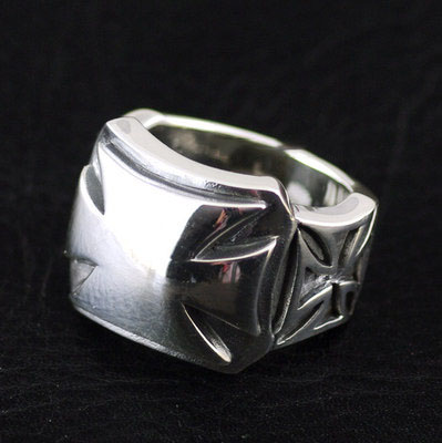 Japan import, 925 Sterling Silver Male Design Cross War badge Silver Gothic Ring