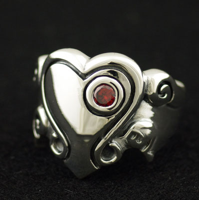 Japan import, 925 Sterling Silver angel with hearts Silver Gothic Ring