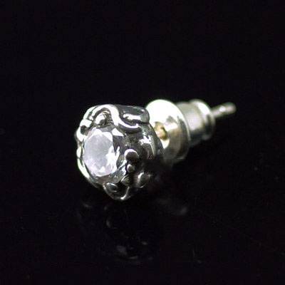 Japan import, wave of flame white diamond 925 Sterling Silver earstud