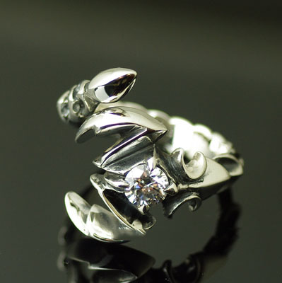 Japan import, 925 Sterling Silver white diamond poisonous scorpion open Ring
