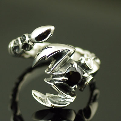 Japan import, 925 Sterling Silver black diamond poisonous scorpion open Ring