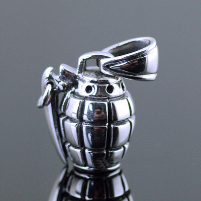 Japan import, 925 Sterling Silver minature lively solid Grenade pendant