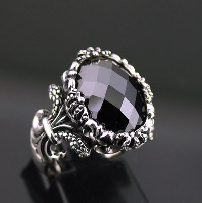 Japan import, surface Black Onyx ring surface double snake lily designs Silver Gothic Ring