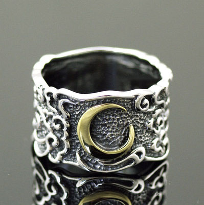 Japan import, 925 Sterling Silver cloud moon Relief Silver Gothic Ring