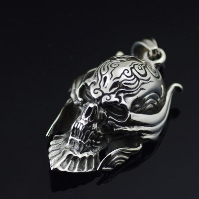 Japan import, 925 Sterling Silver Wealthy thick and heavy Garo skeleton Gothic Silver pendant
