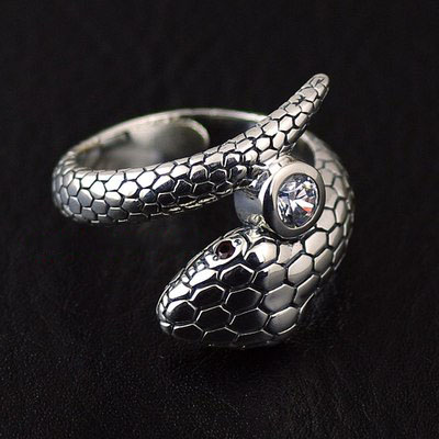 Japan import, 925 Sterling Silver simple Snake design Silver Gothic Ring