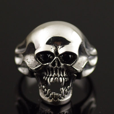 Japan import, 925 Sterling Silver vampire skeleton Silver Gothic Ring
