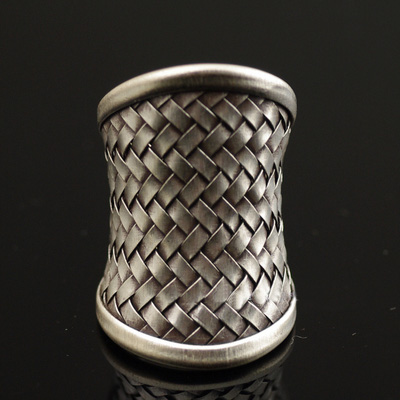 Japan import, Chiang Mai hand-crafted longer version 925 Sterling Silver armour knitted open Ring