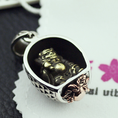 Japan import, Original Oriental vibrations Chinese Ghost buster 925 Sterling Silver pendant